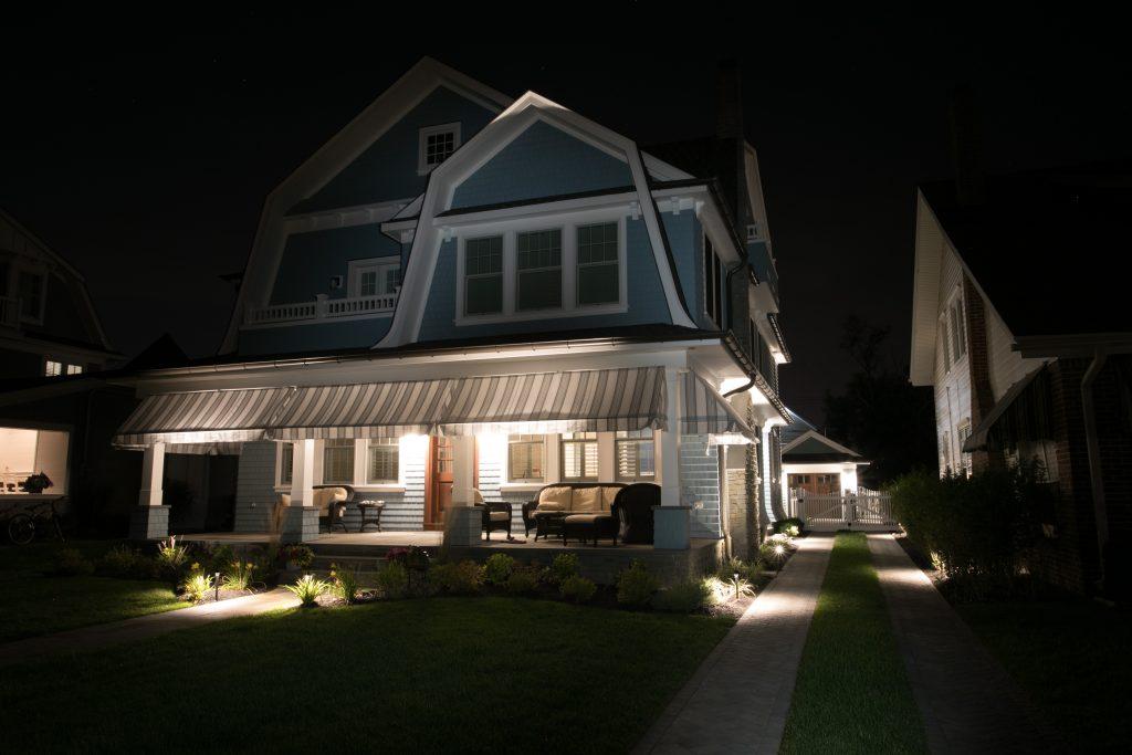 outdoor lighting installer