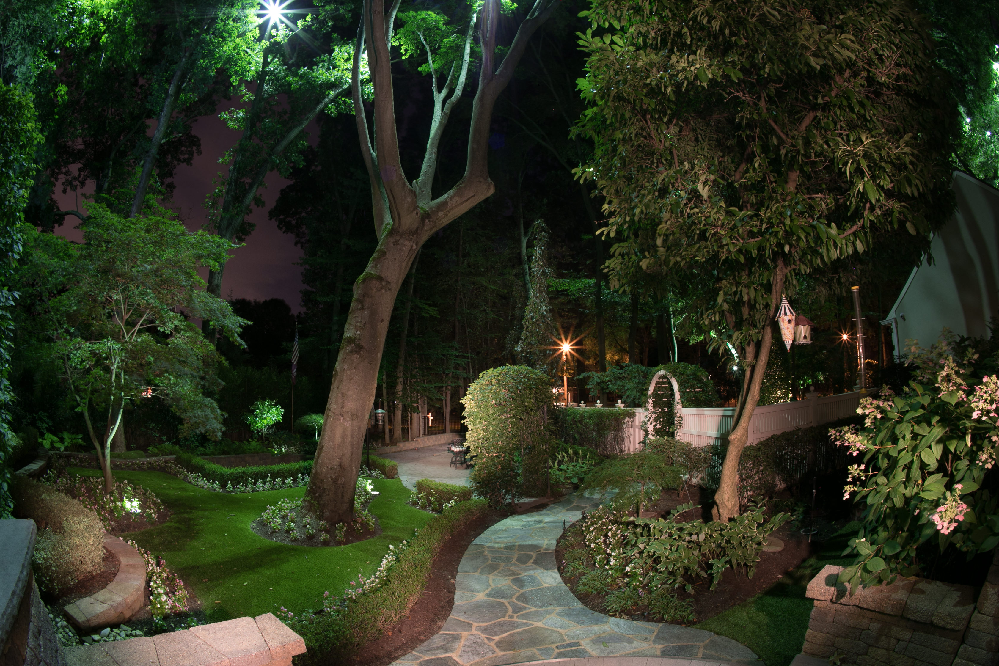 outdoor lighting contractor