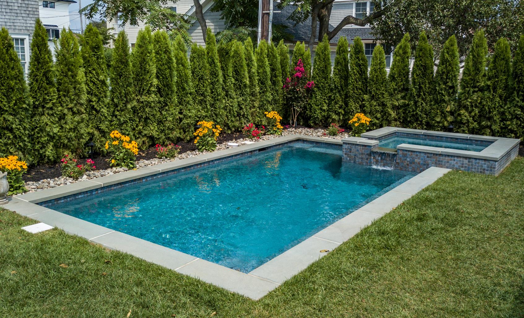 backyard-landscape-privacy